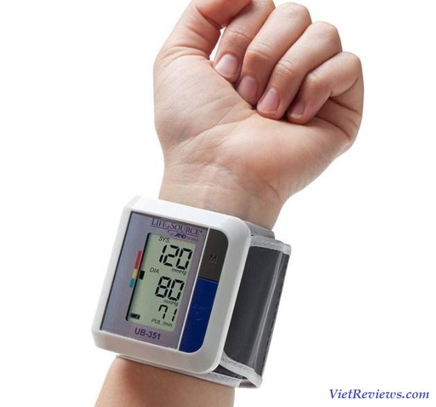 máy đo huyết áp hãng nào tốt